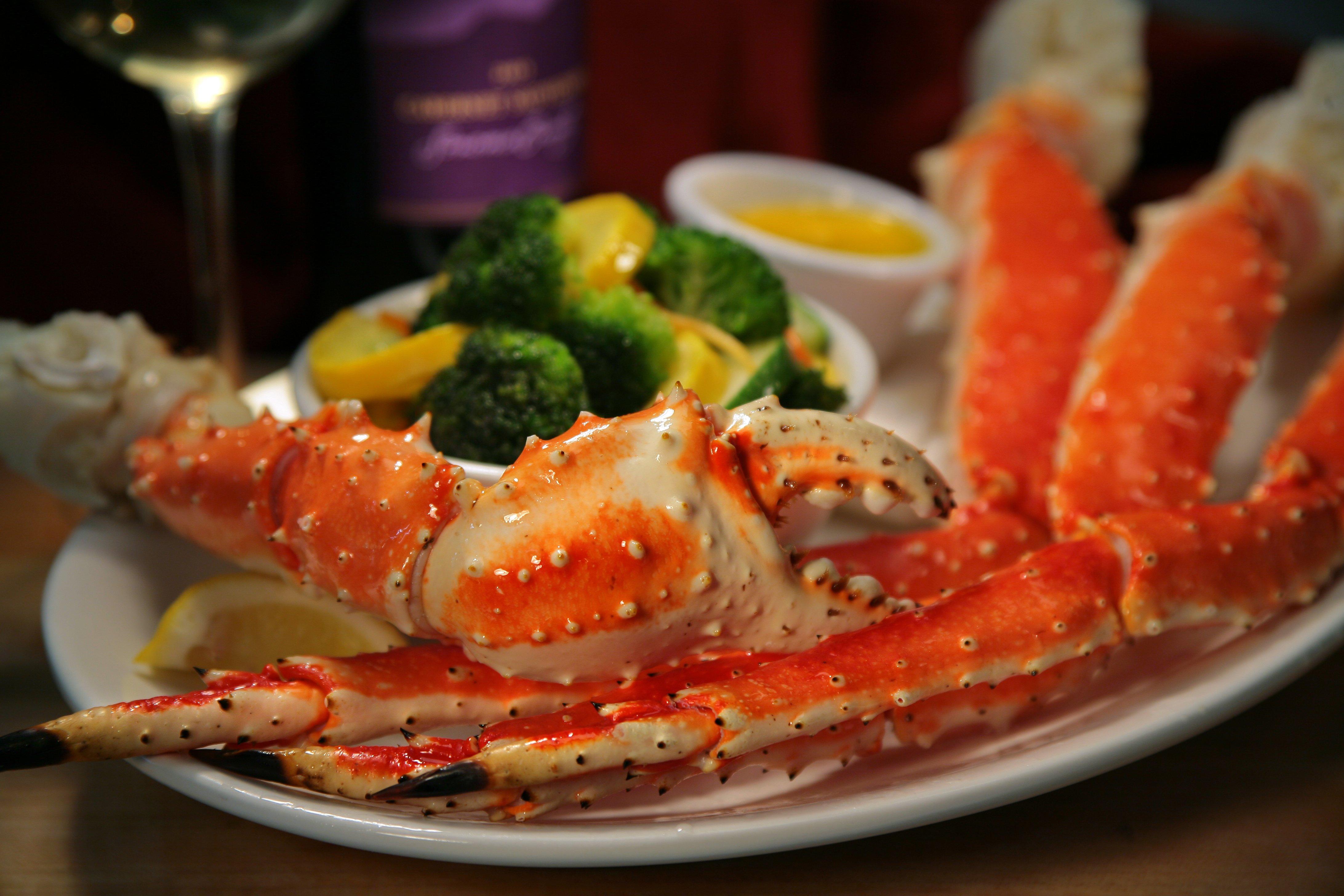 Gargantuan king crab legs 5lbs ed 39 s kasilof seafoods for Alaskan cuisine traditional